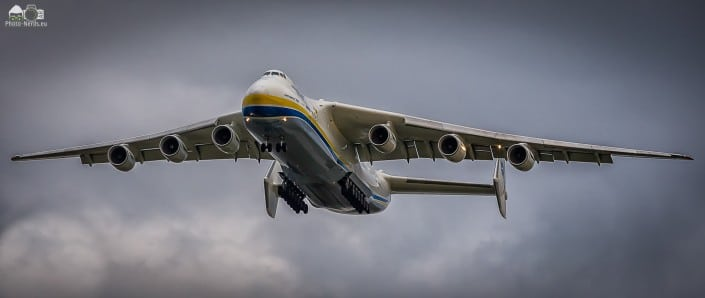 Antonow AN225 im Landeanflug